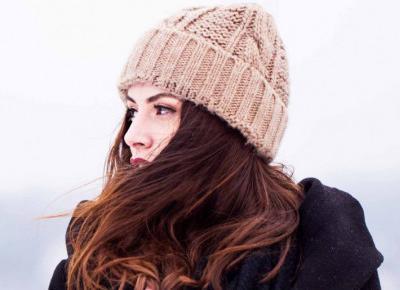 Jak dbać o włosy zimą? Oto kilka sprawdzonych zasad, których powinnaś przestrzegać!
