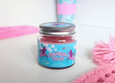 Strawberry Crush - świeczka zapachowa | Primark.