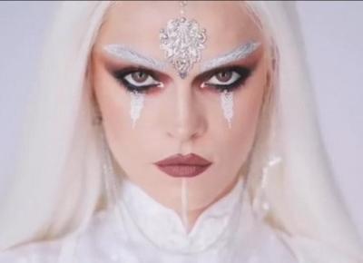 Biała Czarownica -cudowny makijaż