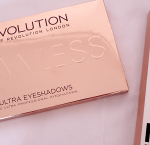 Aleksandra Kaczmarska: Makeup REVOLUTION London ultra eyeshadows palette flawless | KYLIE matte liquid lipstick
