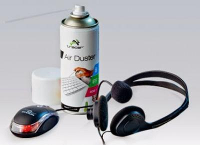 Akcesoria do komputera: gaz sprężony Tracer, mysz optyczna, słuchawki stereo z mikrofonem z Biedronki