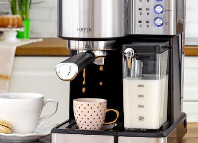 Ekspres ciśnieniowy do kawy ze spieniaczem Hoffen CM-0145 z Biedronki