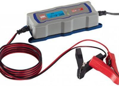 Co w Lidlu: Prostownik automatyczny z wyświetlaczem LCD Ultimate Speed z Lidla
