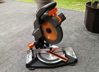 Ukośnica z jedną tarczą do stali, drewna i aluminium czyli pilarka ukosowa Evolution R210CMS TEST