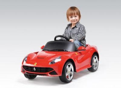 Samochód akumulatorowy Ferrari F12 z Biedronki