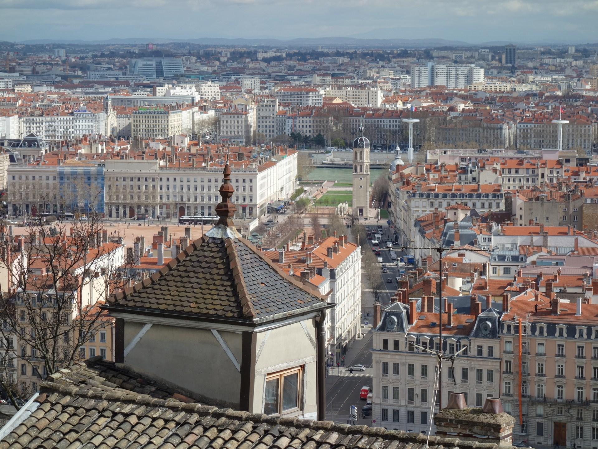 Lyon z wysokości – Ogród Różany i Bazylika Notre-Dame – Miejski Wojażer