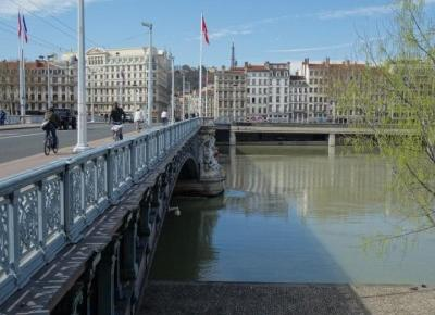 Imponujące wnętrza urbanistyczne w Lyonie – Miejski Wojażer