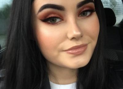"""Karina Kiejnich on Instagram: """"Wkraczam w jesień🍁 Więc i makijaż musi być odpowiedni. Z pomocą palety od @makeuprevolutionpolska stworzyłam takie dzieło🤷🏼♀️🍁 Co…"""""""