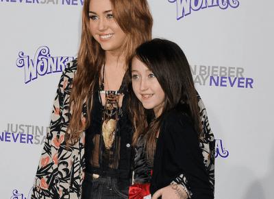 Sława Miley Cyrus zniszczyła dzieciństwo jej siostrze!