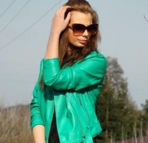 Bloodyrose: Green jacket | Mohito | Spring.