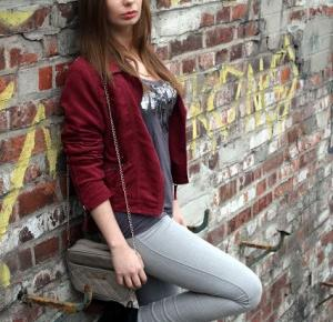 Bloodyrose: Sh jacket   Black boots deezee   Grey