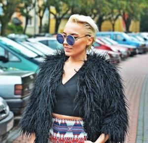 Czarne futerko i spodenki z wysokim stanem | Karyn - Blog modowy o modzie i z pasją do mody