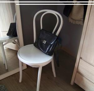 DIY - pomaluj stare krzesło! - mów mi Kasia