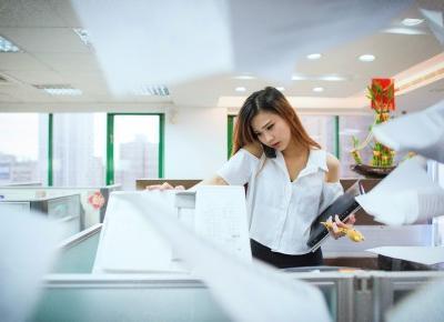 Jak być asertywnym w pracy? Jak odmówić szefowi i współpracownikom?