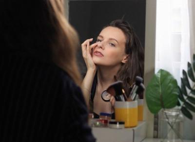 Makijaż naturalnymi kosmetykami Rhea - KEFRETETE