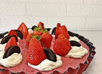 King Of Temptations: Truskawkowa tarta na zimno z ciasteczkowym spodem!