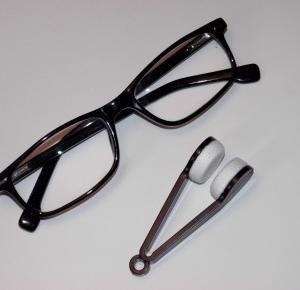 Test gadżetu do czyszczenia okularów – nigdy więcej brudnych szkieł? :: KupPanGadżet