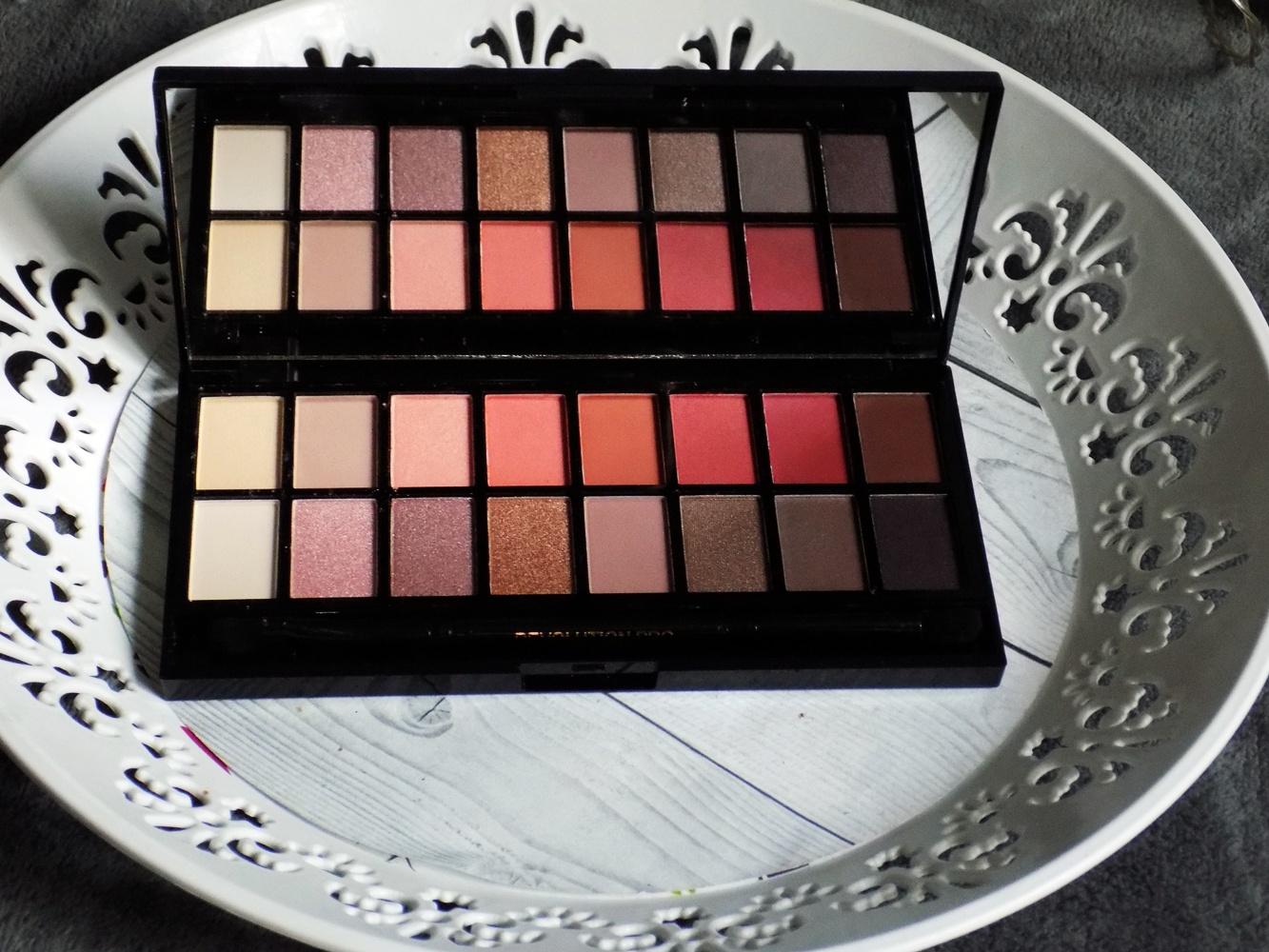 Makeup Revolution New-trals vs Neutrals paleta cieni. | Ksanaru