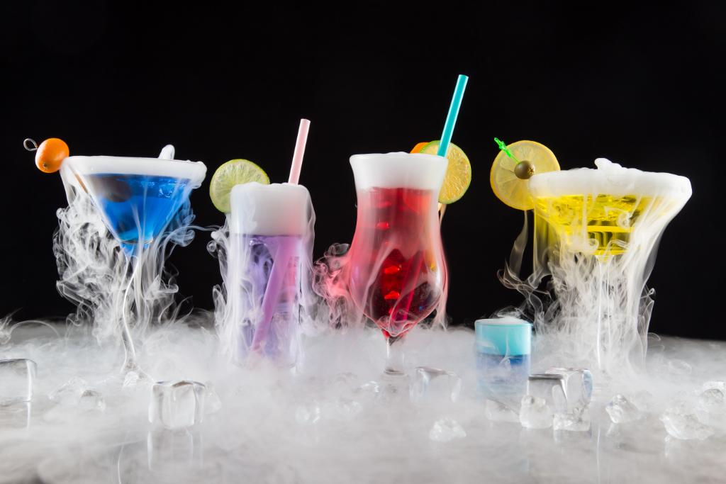 Proste triki na chłodzenie napojów i alkoholu.