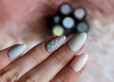 Pastelowe paznokcie + roślinne zdobienie | ksanaru