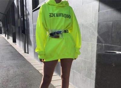 Neony! Jak je nosić aby wyglądały dobrze.