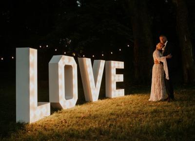 Dlaczego warto wziąć ślub w plenerze?