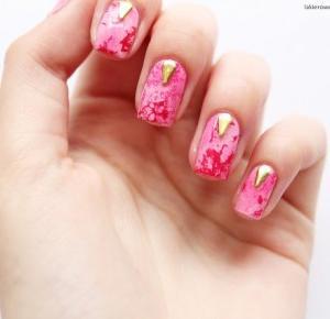 Lakierowe rewolucje: Marmurkowe paznokcie   biżuteria Koral-Art