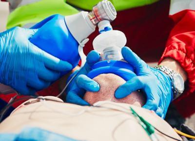 Epidemia koronawirusa a praca w karetce. Ratownicy medyczni opowiadają, jak to wygląda od środka
