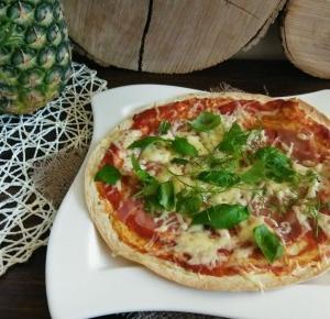 Obiad w 15 minut czyli tortilla udająca pizzę ;) - Ewelajna