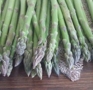 Szparagi - jak kupować i gotować - Ewelajna