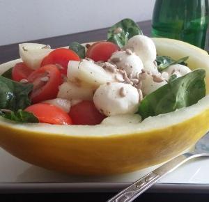 Sałatka z melonem - fajny przepis na fit danie! - Ewelajna