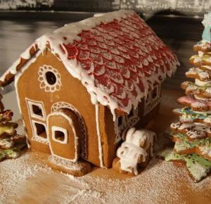 Ewelajna: Domek (chatka) z piernika - jak prosto wykonać