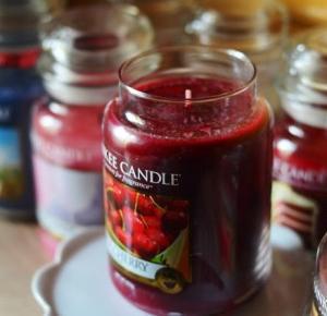Piekno tkwi w prostocie: Yankee Candle - Black Cherry ♥