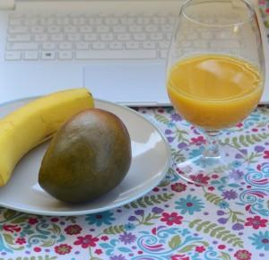 Piekno tkwi w prostocie: Kuchenne rewolucje: Smoothie z mango