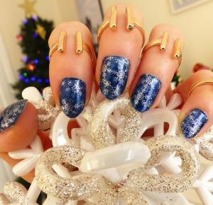 Snowflakes - Winter Nails