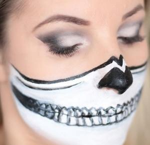 Halloween Makeup - Half Skull - Ela Lis Make-Up