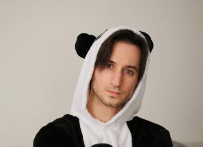 Stylizacja na imprezę piżama party. Strój pandy i Nanushki | Blog kosmetyczny, beauty, moda, makijaże