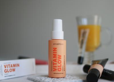 Rozświetlająca baza pod makijaż Smashbox Vitamin Glow | Blog kosmetyczny, beauty, moda, makijaże