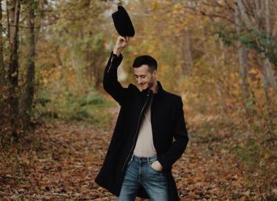 Jesienny outfit z kapeluszem