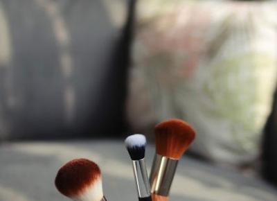 Jaki wybrać pędzel do podkładu mineralnego | Blog kosmetyczny, beauty, moda, makijaże
