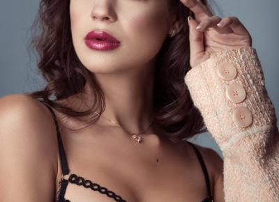Subtelny makijaż na dwa sposoby - na randkę | Blog kosmetyczny, beauty, moda, makijaże