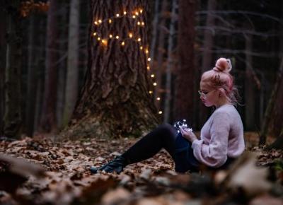 Jesienna sesja zdjęciowa w dziewczęcym stylu