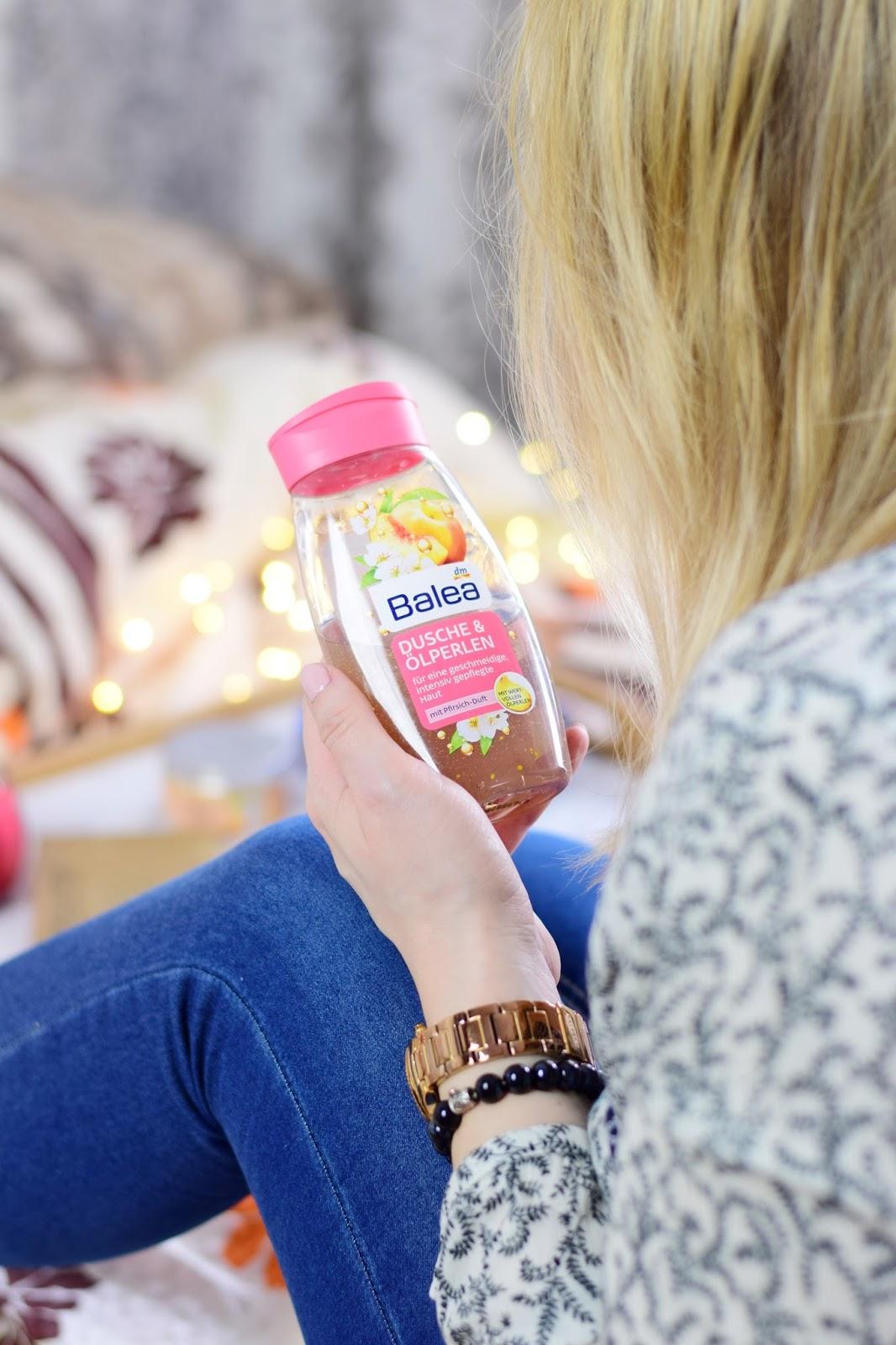 Balea, Żel z perełkami oleju o zapachu brzoskwini | Mademoiselle Magdalene Blog: Uroda | Kosmetyki | Makijaż | Moda | Lifestyle