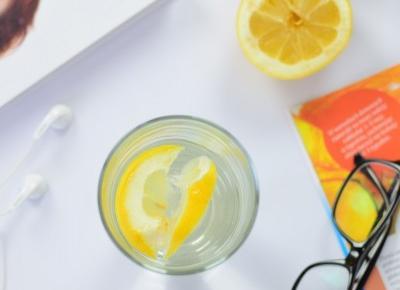 Szklanka wody z cytryną na czczo - nawyk, który odmieni Twoje życie!   Czemu warto filtrować wodę?    Mademoiselle Magdalene Blog: Uroda   Kosmetyki   Makijaż   Moda   Lifestyle