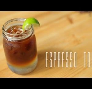 Nowy Hit wakacji? Gazowana kawa czyli espresso z tonikiem!