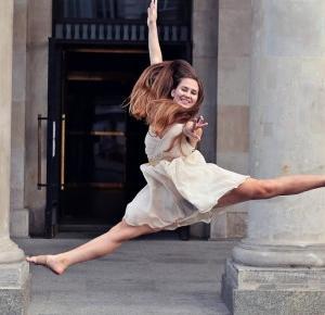 Magdalena Łuniewska Fotografia: dance in Theatre Square