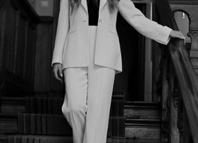 Magdalena Łuniewska Fotografia: woman in suit