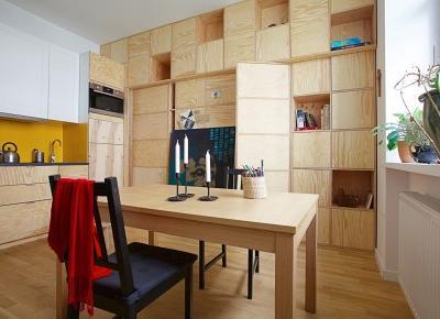 Drewniana ściana jako sposób na małe wnętrze