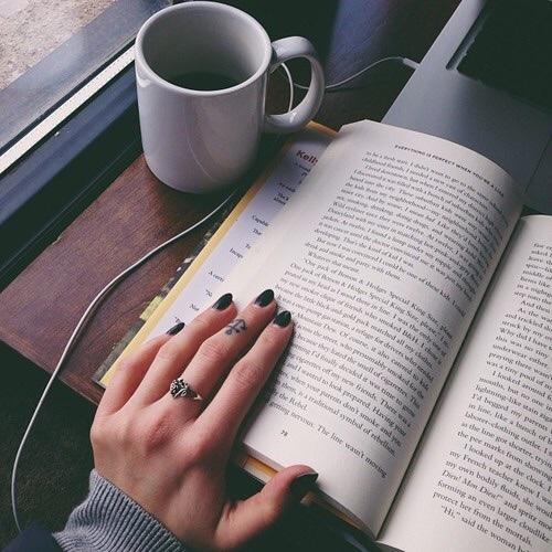 i ♥ books   We Heart It