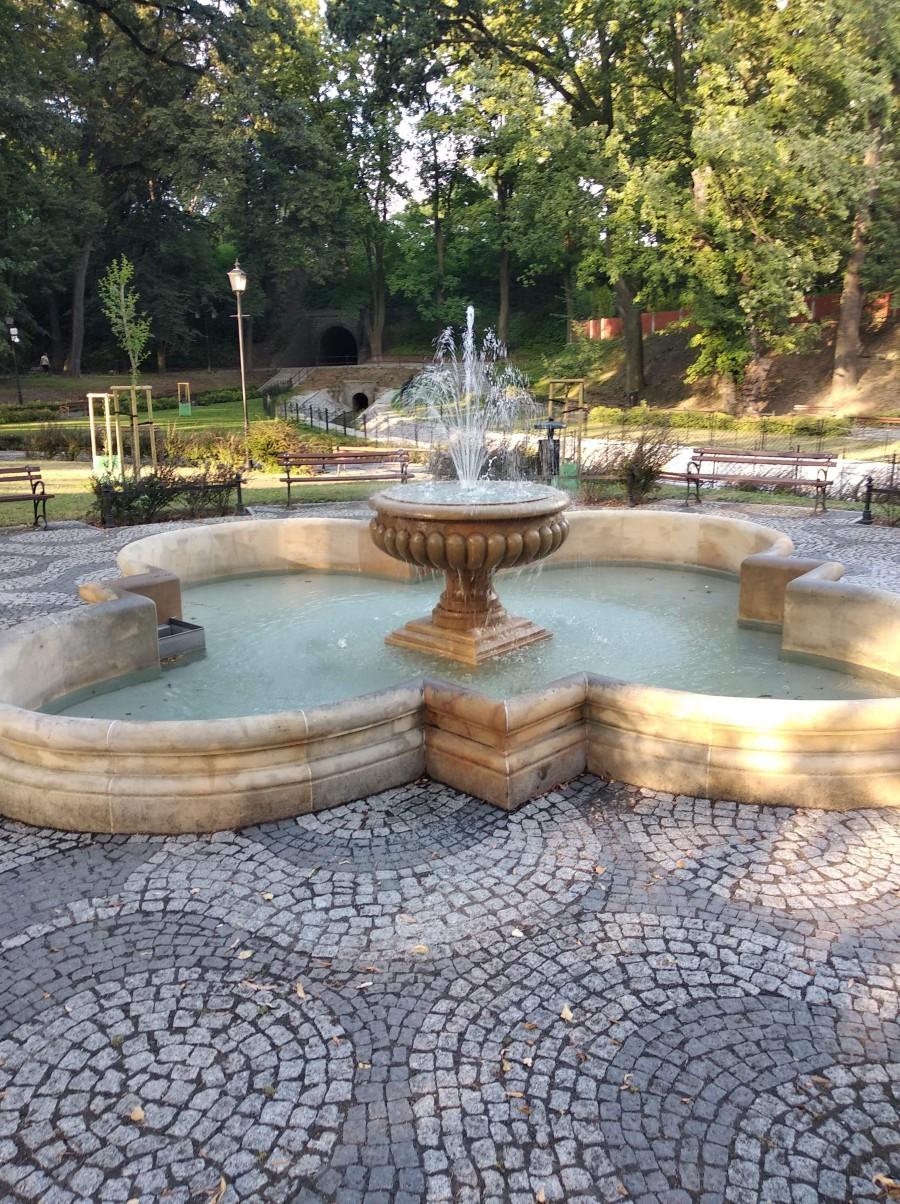 Prześliczna fontanna w Parku